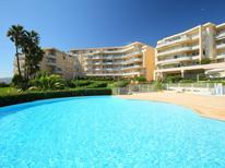 Ferienwohnung 1165631 für 4 Personen in Antibes