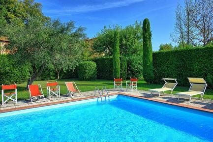 Gemütliches Ferienhaus : Region Segromigno in Monte für 10 Personen