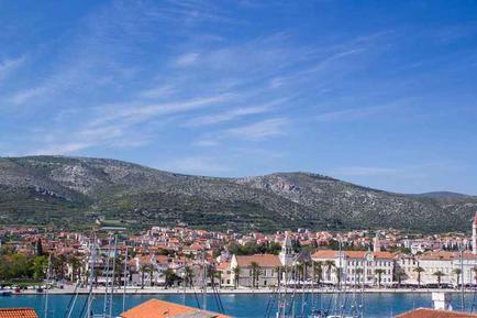 Für 4 Personen: Hübsches Apartment / Ferienwohnung in der Region Trogir