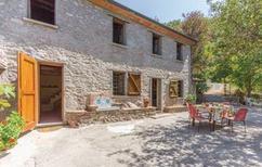Vakantiehuis 1168217 voor 4 personen in Metato