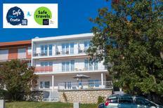 Appartement 1174679 voor 6 personen in Novi Vinodolski