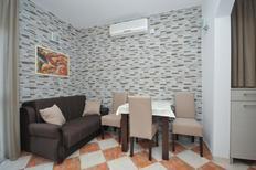 Ferienwohnung 1175093 für 4 Personen in Budva
