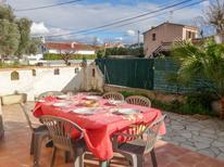 Ferienwohnung 1175941 für 5 Personen in Les Lecques
