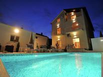 Ferienwohnung 1176792 für 4 Personen in Zadar