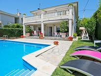 Holiday home 1177033 for 12 persons in Cambrils