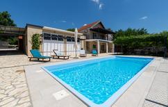 Ferienhaus 1177665 für 7 Personen in Obrovac