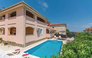 Gemütliches Ferienhaus : Region Istrien für 13 Personen