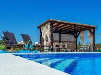 Vakantiehuis 1178614 voor 8 personen in Pirovac