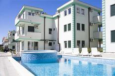 Appartamento 1179172 per 2 adulti + 3 bambini in Zelenika