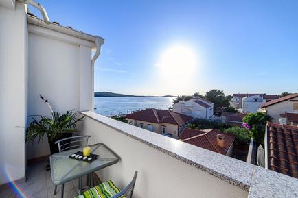 Für 4 Personen: Hübsches Apartment / Ferienwohnung in der Region Sibenik