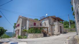 Ferienhaus 1180076 für 3 Erwachsene + 3 Kinder in Brkac