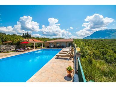 Gemütliches Ferienhaus : Region Makarska Riviera für 26 Personen