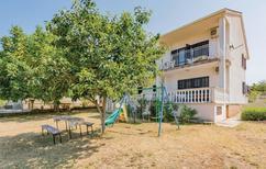 Appartement 1188143 voor 8 personen in Peroj