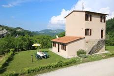 Casa de vacaciones 1188486 para 11 adultos + 8 niños en Piobbico