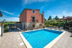 Vakantiehuis 1188834 voor 12 personen in Rovinj