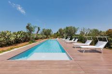 Appartement 1195083 voor 6 personen in Baia Verde