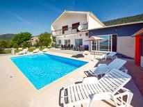 Casa de vacaciones 1195773 para 6 personas en Kaštela