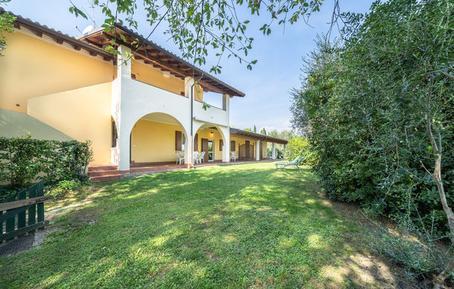 Für 8 Personen: Hübsches Apartment / Ferienwohnung in der Region Gardasee