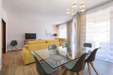 Appartamento 1199718 per 8 persone in Stresa