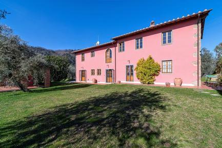 Gemütliches Ferienhaus : Region Buggiano für 10 Personen