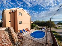 Vakantiehuis 1202283 voor 10 personen in Maslenica