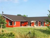 Appartement 1202336 voor 12 personen in Lyngsbæk Strand