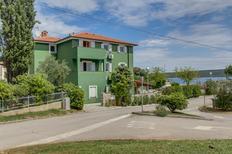 Appartamento 1202782 per 6 persone in Nerezine