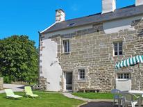 Ferienhaus 1211416 für 4 Personen in Plounéour-Trez