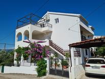 Appartement 1211679 voor 7 personen in Arbanija