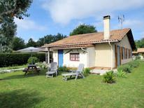 Holiday home 1211837 for 4 persons in Hourtin