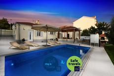 Ferienhaus 1214519 für 8 Personen in Zadar