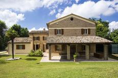 Dom wakacyjny 1215283 dla 9 osób w Fano