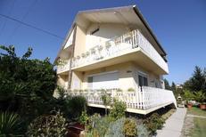 Appartement 1215730 voor 8 personen in Balatonboglar