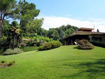 Vakantiehuis 1216425 voor 6 personen in Porto Valtravaglia
