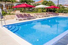 Ferienwohnung 1216814 für 7 Personen in Seget Donji
