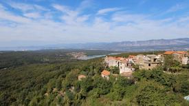 Ferienwohnung 1216834 für 8 Personen in Dobrinj