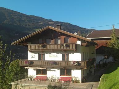 Gemütliches Ferienhaus : Region Mayrhofen für 18 Personen