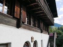 Ferienwohnung 1217662 für 9 Personen in Gstaad