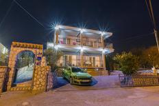 Appartement 1220801 voor 4 volwassenen + 2 kinderen in Crikvenica