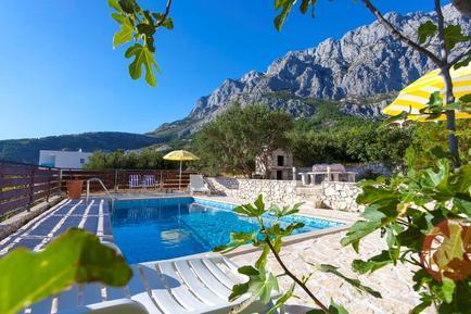 Gemütliches Ferienhaus : Region Makarska für 9 Personen