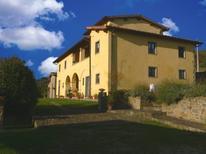 Ferienwohnung 1222458 für 9 Personen in Loro Ciuffenna