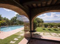 Vakantiehuis 1222627 voor 10 personen in Arezzo
