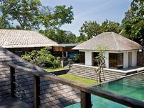 Casa de vacaciones 1222965 para 10 personas en Denpasar