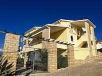 Ferienwohnung 1223045 für 2 Personen in Novigrad