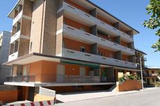 Ferienwohnung 1223858 für 5 Personen in Lido di Jesolo