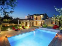 Villa 1224057 per 8 persone in Baderna