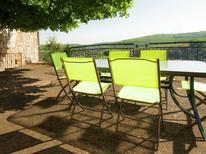 Vakantiehuis 1225077 voor 6 personen in Chasteaux