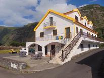 Appartement 1225474 voor 6 volwassenen + 1 kind in Fajã Grande