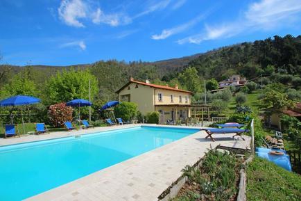 Gemütliches Ferienhaus : Region Strettoia für 11 Personen