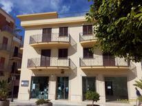 Appartamento 1226936 per 3 adulti + 2 bambini in Balestrate